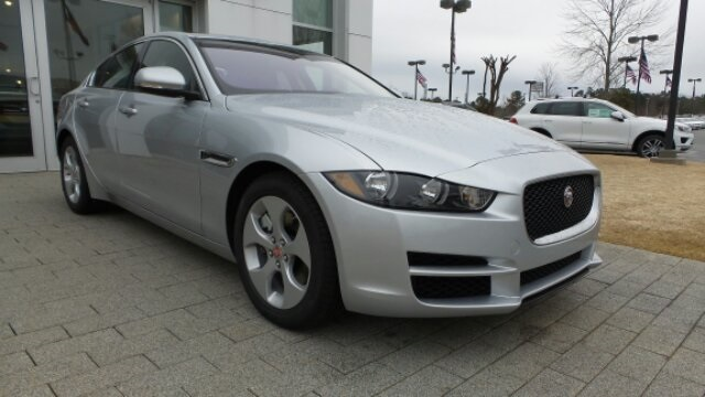 New 2018 Jaguar XE 25t RWD 4D Sedan